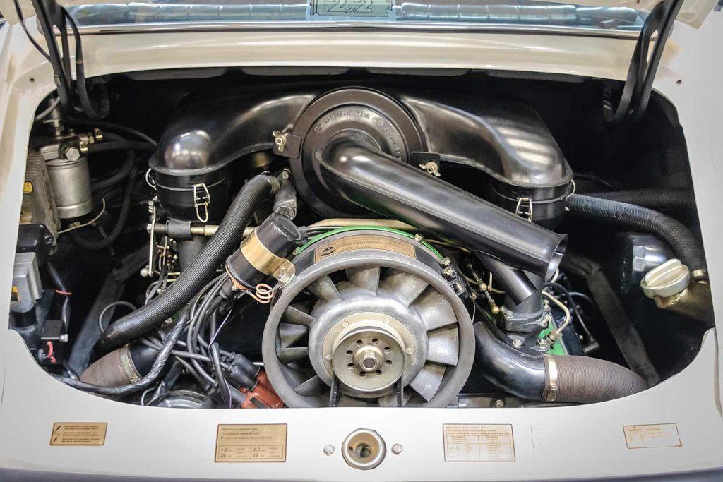 Moteur restauré Porsche blanche